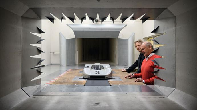 Studio indication of a 917, Tony Hatter, Hermann Burst, l-r, 2019, Porsche AG