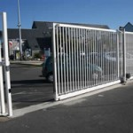 Robusta sliding cantilever gates on rail
