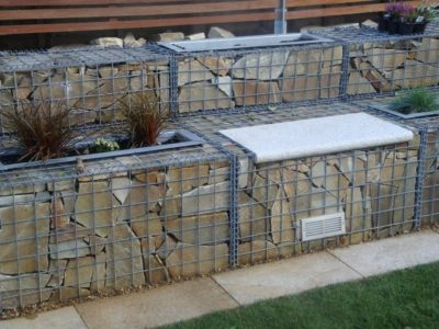 Close up: gabion garden feature wall and seat
