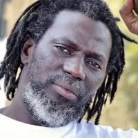 Guinée : Tiken Jah inaugure une école