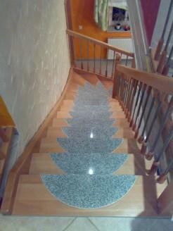 Treppen mit Graniteinlagen 25