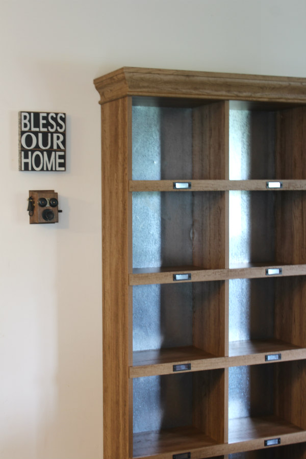 amazon bookcase hack by riggstownroad