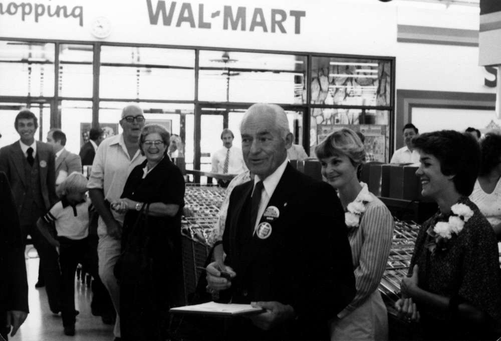 Insightful Management Ideas from Sam Walton