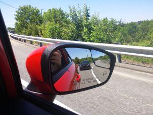 jonathan-fiesta-st-in-mirror