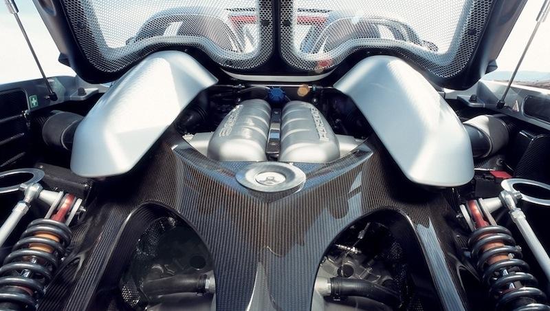 Carrera GT engine bay