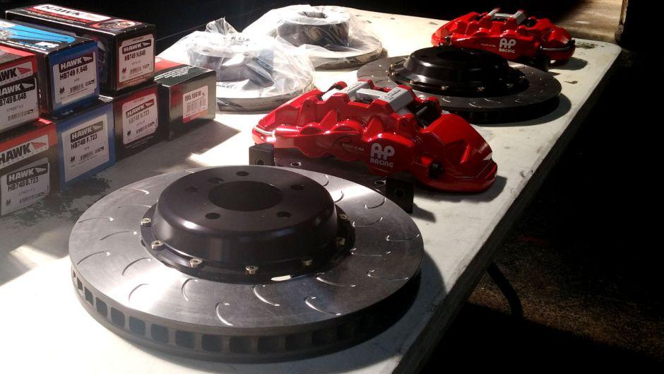 stillen-apracing-radical-brake-kit-unboxing