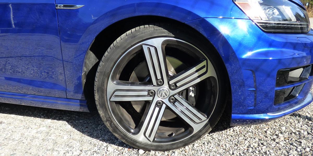 Golf R brakes
