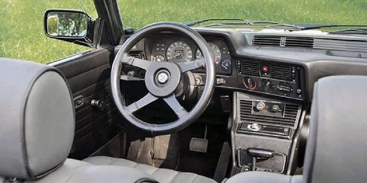 E21 interior with AC