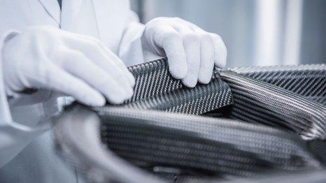 Porsche Braided Carbon Fiber Wheel Assembly