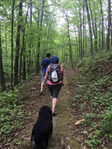 Hiking along the Little Blakely Trail