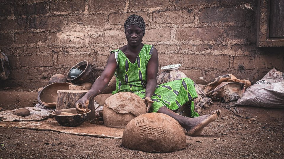 African woman domestic work
