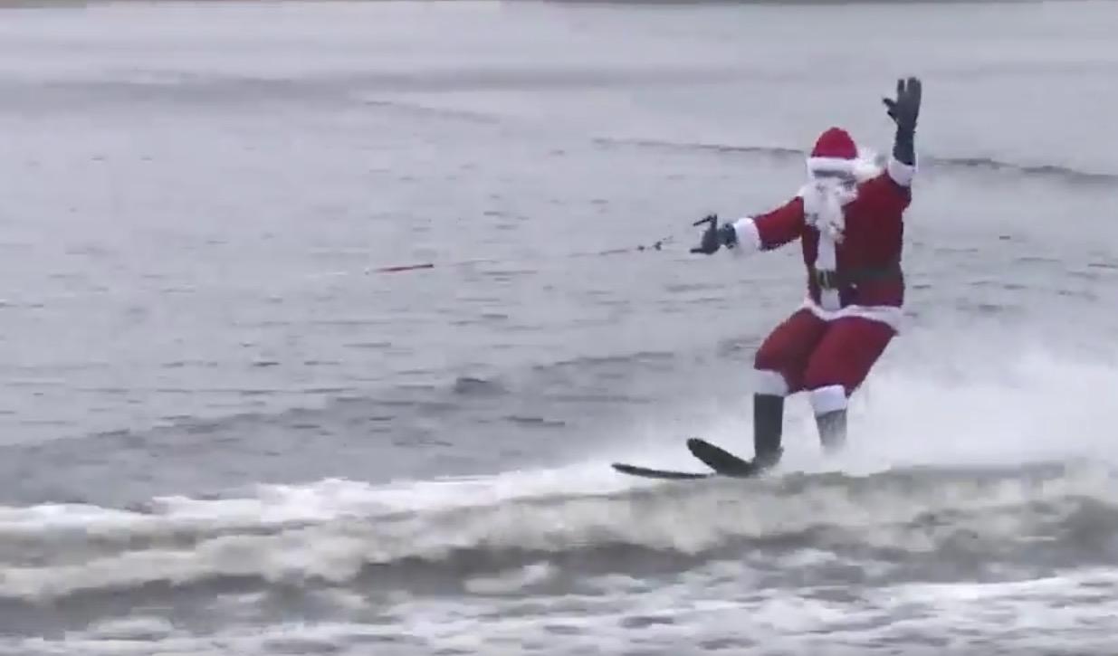 Christmas Tree Ski Fail Santa Claus Water Ski Soak RTM