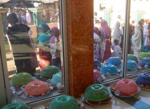 Eid ul-Adha 'begibung' at Medana Bay mosque: women outside.