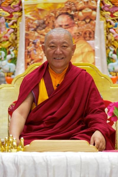 Ringu Tulku Rinpoche - Bkk Feb 2011 (1/2)