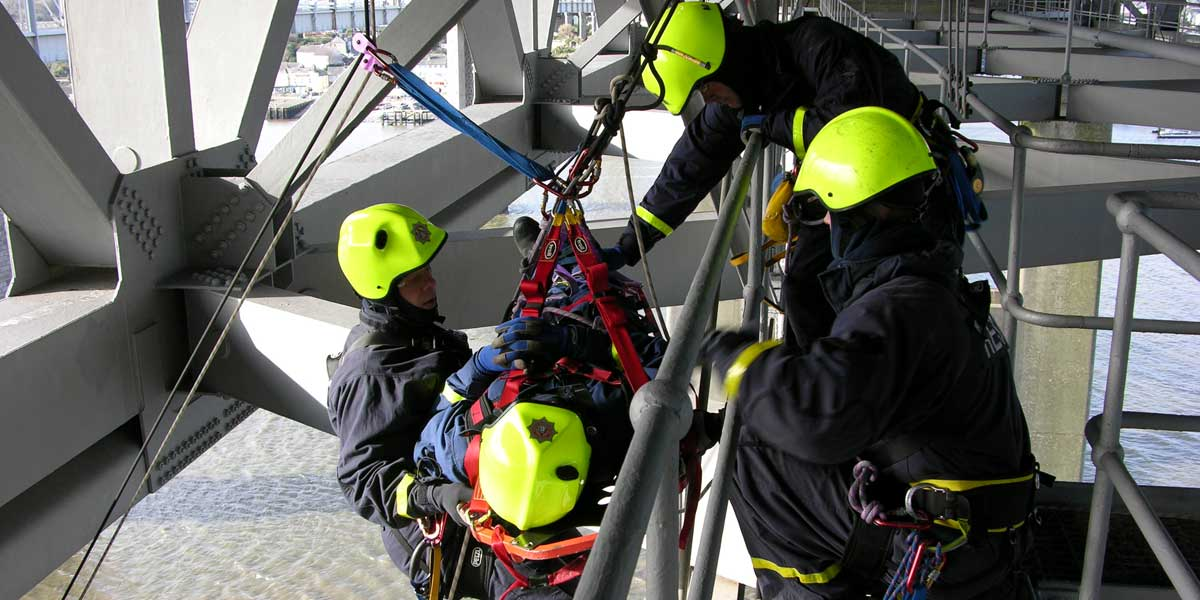 Rope rescue training with RIG Systems
