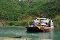 Albanien Koman-See-Autofähre