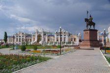 """Der """"verspielte"""" Bahnhof von 1905 in Kyzylorda"""