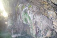 ...die Grotte und die Quelle...