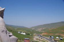 """Der kleine Pass """"Chyrchyk"""" (2408m hoch) - Blick in Richtung Osch, auch ein Stück Seidenstraße"""