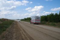 150 Kilometer vor Semey - Treffen mit einem deutschen Selbstfahrer; leider nur Smalltalk
