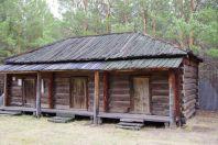 Ein Durchgangslager-Gebäude ohne Fenster für nach Sibirien Verbannte