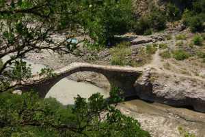 römischen Bogenbrücke und...