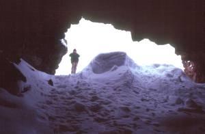 Der Einstieg in Lavahöhle...
