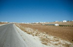 Weiterfahrt auf der Hochebene mit vielen neuen palästinenser Dörfern