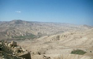 Blick vor der Abfahrt ins Wadi Hasa ...