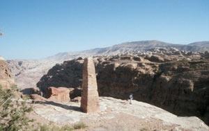 """Auf dem """"Dach"""" von Petra bei den Obelisken ..."""