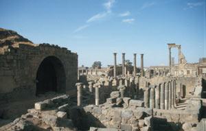 Bosra - Blick auf das Römerbad und -allee