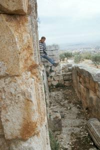 und die wehrhaften Außenmauern
