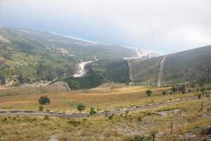 Blick vom Llogara-Pass auf die Abfahrt...