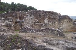 Die Kirche wurde vollständig aus dem Fels gehauen