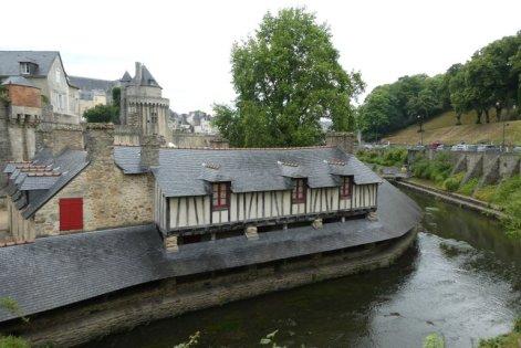 Vannes, ein beschaulicher Ort, mit einem mittelalterlichen Waschhaus.