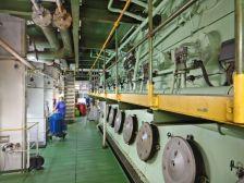 ...des 8-Zylinder-Schiffsdiesels mit 35000 PS...