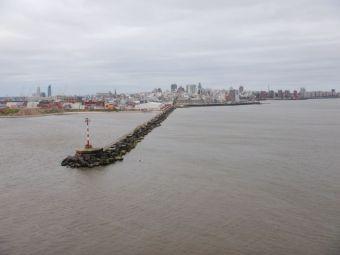 Die Hafenmole von Montevideo