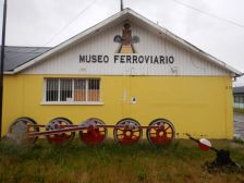 In der Nähe des alten Kohlehafens befindet sich ein kleines Eisenbahnmuseum, ...