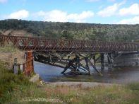 Die Brücke über den Rio San Pablo hat schon bessere Zeiten erlebt, ...