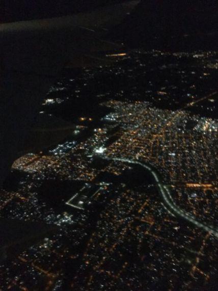Start um 21 Uhr und letzter Blick auf Buenos Aires