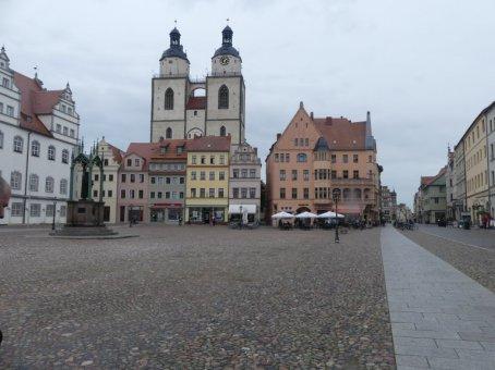 Vom Marktplatz in der Lutherstadt Wittenberg ...