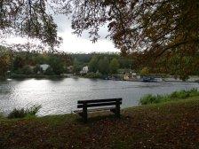 Immer wieder finden sich Flussfähren, wie hier in Rothenburg ...