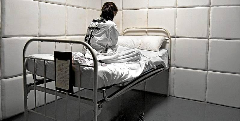 Hovedansvaret for ondskapen i norsk psykiatri påligger offentlige myndigheter.