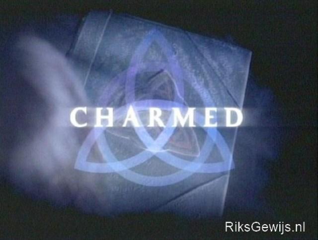 Een hanger gebaseerd op de serie van begin jaren 2000. Een drietal heksen die ervoor zorgde dat met hun magie de wereld veilig blijft. Eigenlijk een jonge meiden serie, maar soms vonden wij dit wel vermakelijk om naar te kijken.