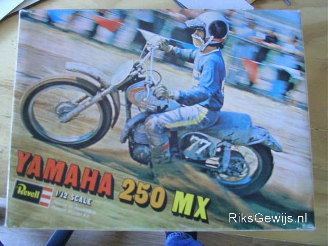 Yamaha-250MX.doos