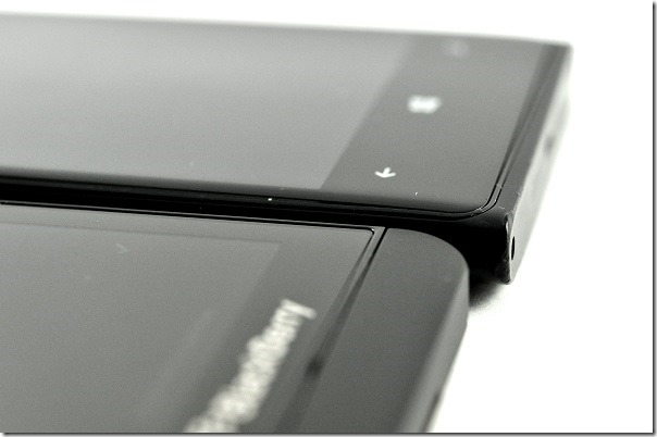 Unboxing The BlackBerry Z10 And First Impressions