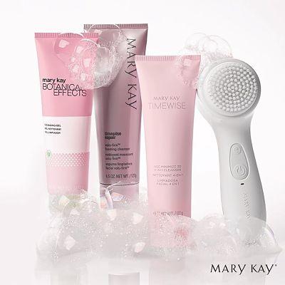 ¿Por qué es importante una limpieza facial? limpiadoras Mary Kay y cepillo facial