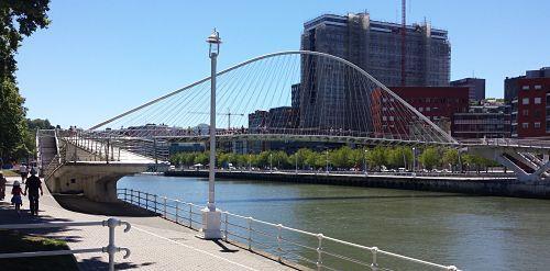 Visita a Bilbao: Puente Zubizuri