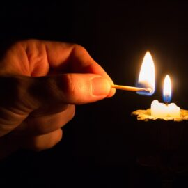 hand-light-dark-finger-consumption-flame-1043553-pxhere.com