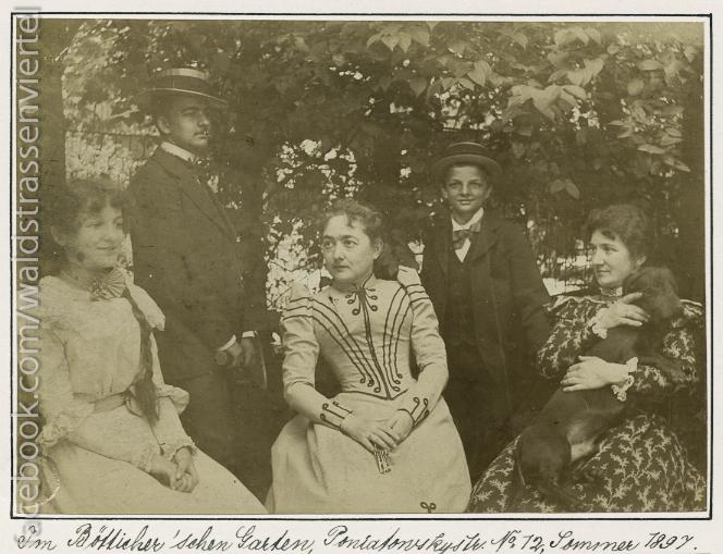 Joachim Ringelnatz im Jahr 1897 (2. v. r.)